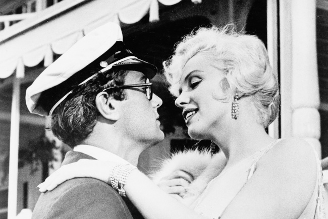 Tony Curtis és Marilyn Monroe Van, aki forrón szereti /Some Like It Hot, 1959/