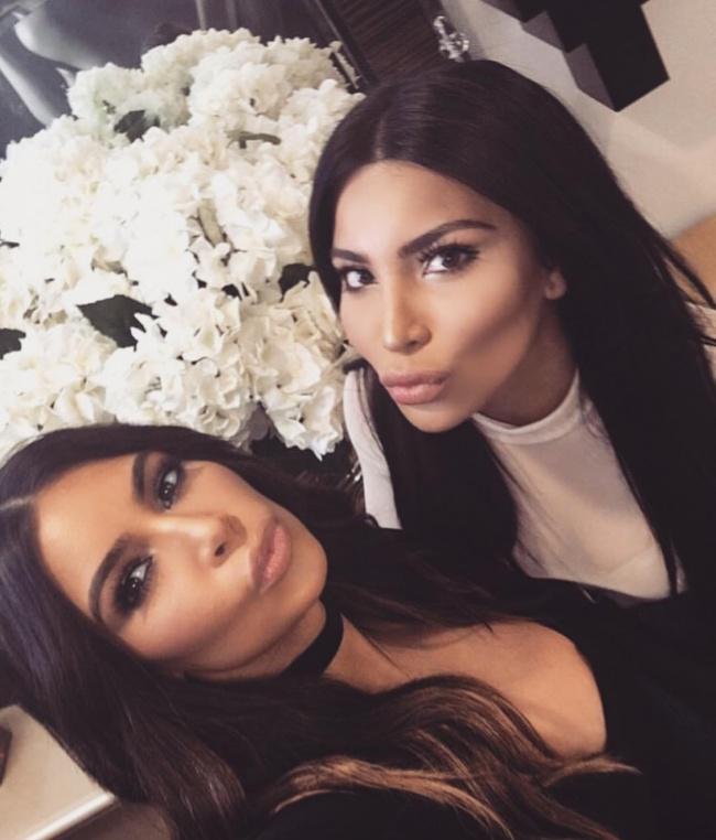 3) Kim Kardashian és Kamilla Osman