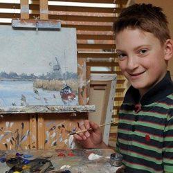A 11 éves csodagyerek már 560 milliót keresett a festményeivel