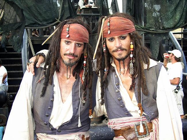 Johnny Depp és kalóz dublőre, Tony Angelotti.