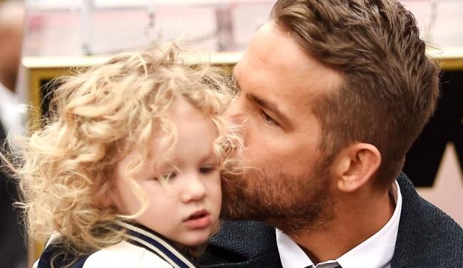 Ryan Reynolds és lánya, James