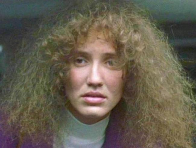 2) Cameron Diaz mint Lotte az 1999-es A John Malkovich menet című filmben.