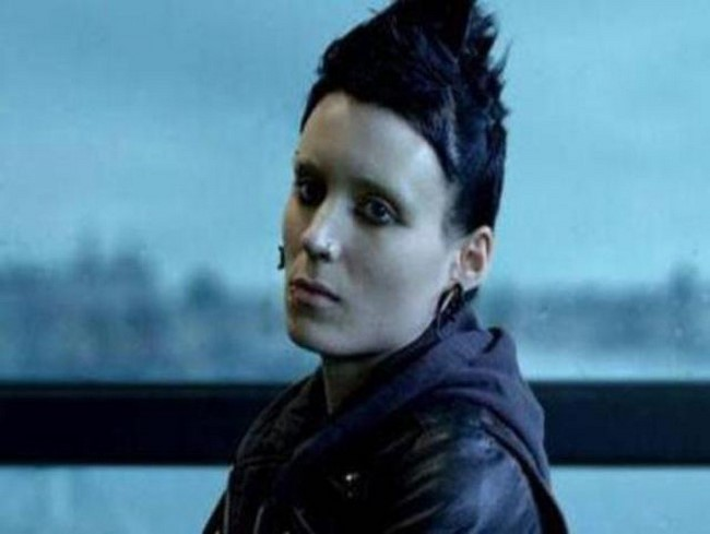 4)Rooney Mara mint Lisbeth Salander a 2011-es A tetovált lány című filmben.