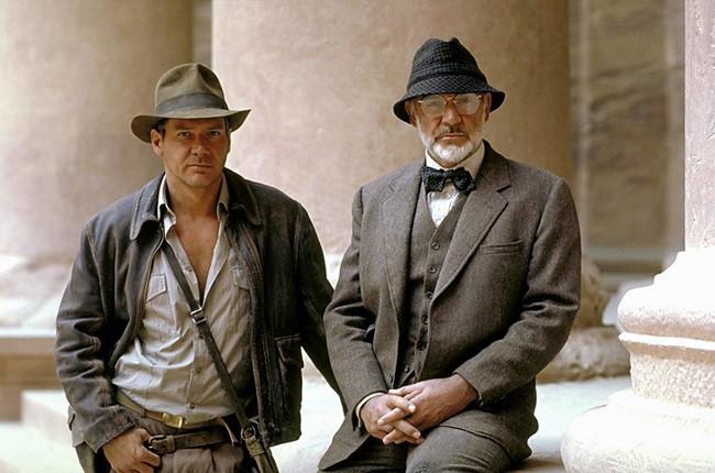 2) Sean Connery játszotta Harrison Ford édesapját az Indiana Jones filmekben, azonban a való életben csak 12 év a korkülönbség van köztük.