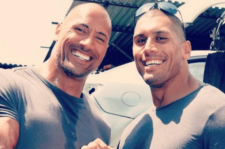 (3)Dwayne Johnson és Tanoai Reed (Rohanás)