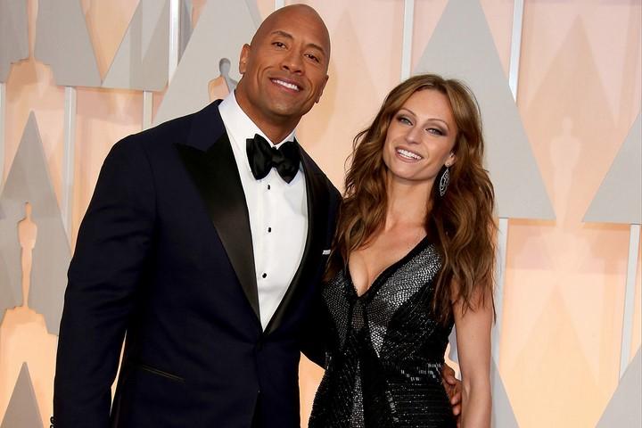 Dwayne Johnson (Hobbs) és felesége, Lauren Hashian (2007-)