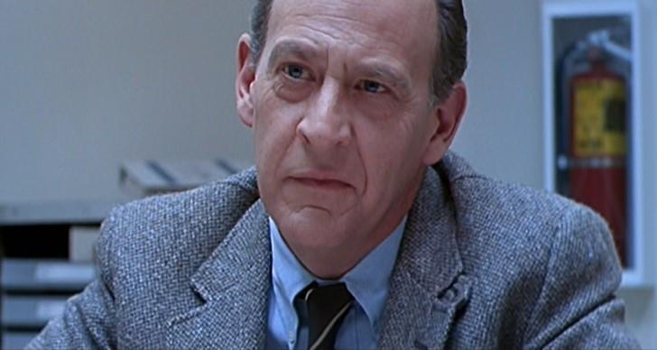 Earl Boen /Dr. Peter Silberman/
