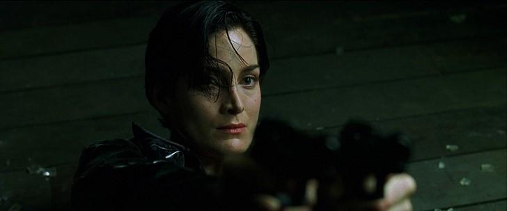 3)Carrie-Anne Moss (Mátrix)